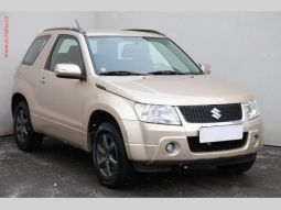 Suzuki Grand Vitara 4x4 2.4 VVTi, ČR, AT